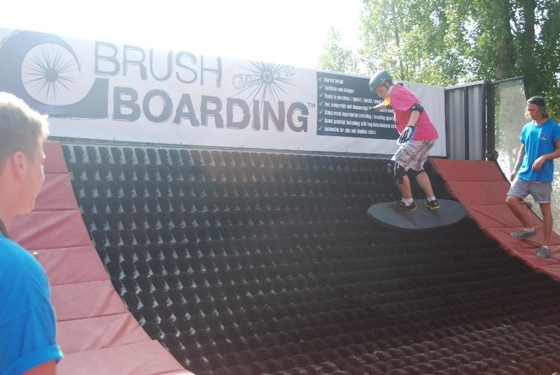 brush boarding